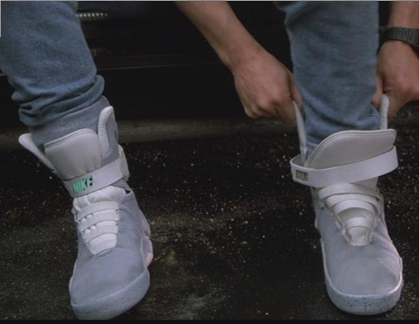 Le scarpe di Ritorno al Futuro II in vendita dal 2015!